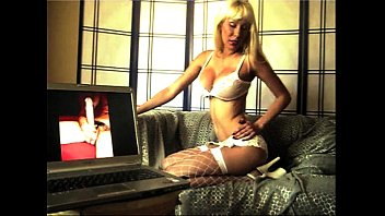 kiss lesbian mistress slaves her Dolland this video party
