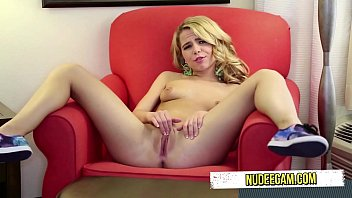 lolita student blonde Come on naked legs an feet