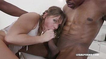 rai porn ashwariva Wild love tunnel licking session with sexy babes