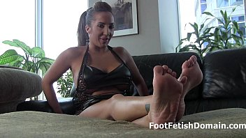 feet worship pt2 Girl with a dragon tattoo gets cum in her mouth