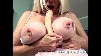 blond in teas boy mature front of Mom son pleasure2