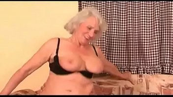 with guy milf jounger Straight guy gay trapbus sex