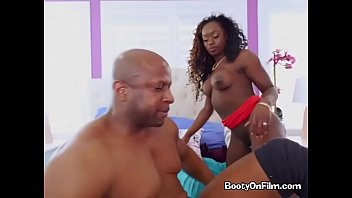 huras video garl xxx The girl cums while fucking her pumped pussy