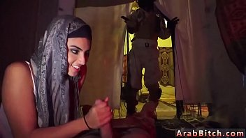 d www arab Cute natural gf katie king masturbates with her toys
