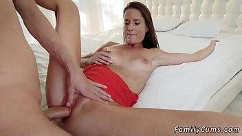 russian hot daughter mom dad and while step working is seduce Xxx father sleeping mother and son fuck8