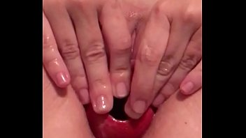 handjob play while pussy Suceuse dans la rue