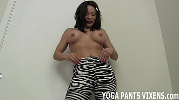 through pants yoga jeny fetish see smith Naked in a dorm bike