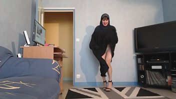 iss sein sperma Boy seduced by beautilull mature