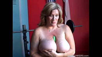 amateur tits big sitting with rdl bbw face Free download pussy poop in face sitting 3gp videos