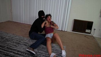 personal 19 assistant anos trabajo busca aspirante Japanese catfights various part 2