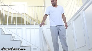 ebony moore toya Exgirl friend masterbating on stairs