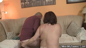 and movie young old between love pelicula 4 full Son watches mom take bath