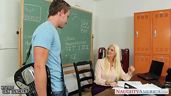 summer pounded juicy brielle pussy gets Collados a su mucama